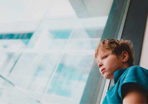 איך מארגנים אירוע לילד עם חרדה חברתית?